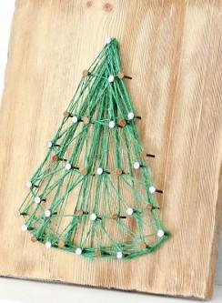 елка к новому году из ниток