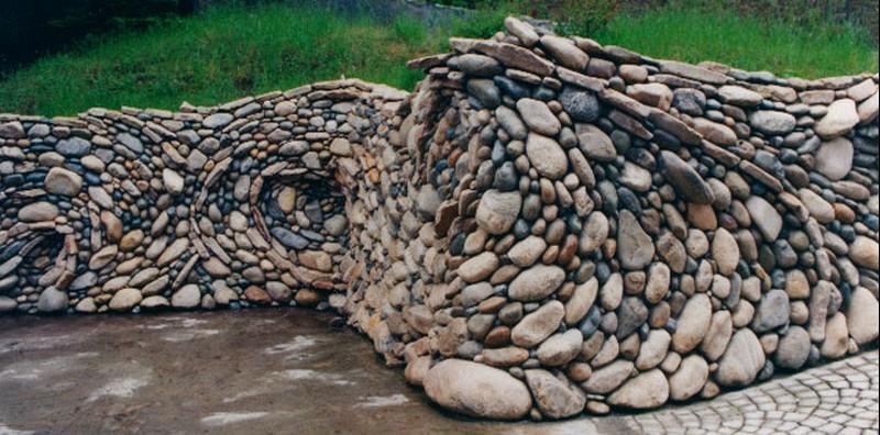 Оригинальная стена из камня