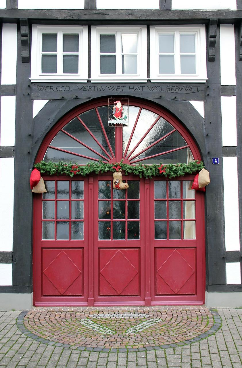 Как украсить свой дом и двор к Рождеству 06