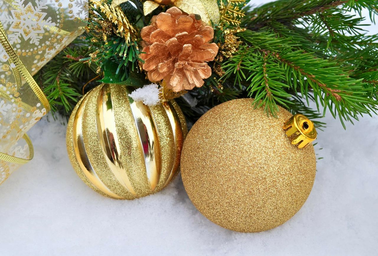 Как украсить свой дом и двор к Рождеству 13
