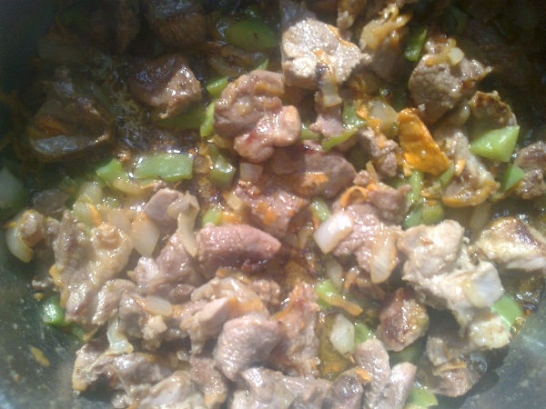 Рецепт тушеного мяса с овощами в молоке