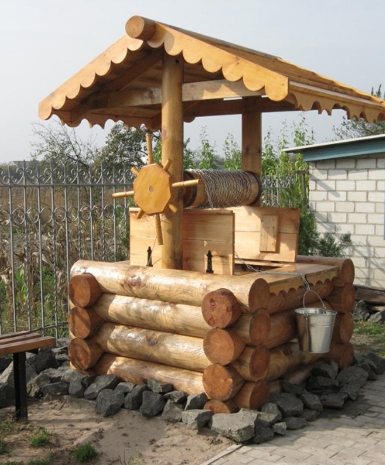 Деревянный колодец на даче своими руками - Priminfo