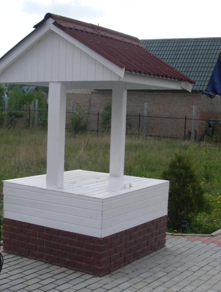 домик для колодца 8