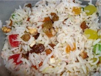 Кутья из риса с изюмом и орехами