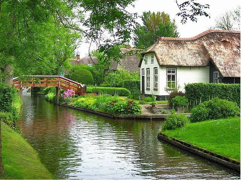 Домик в голландской деревне