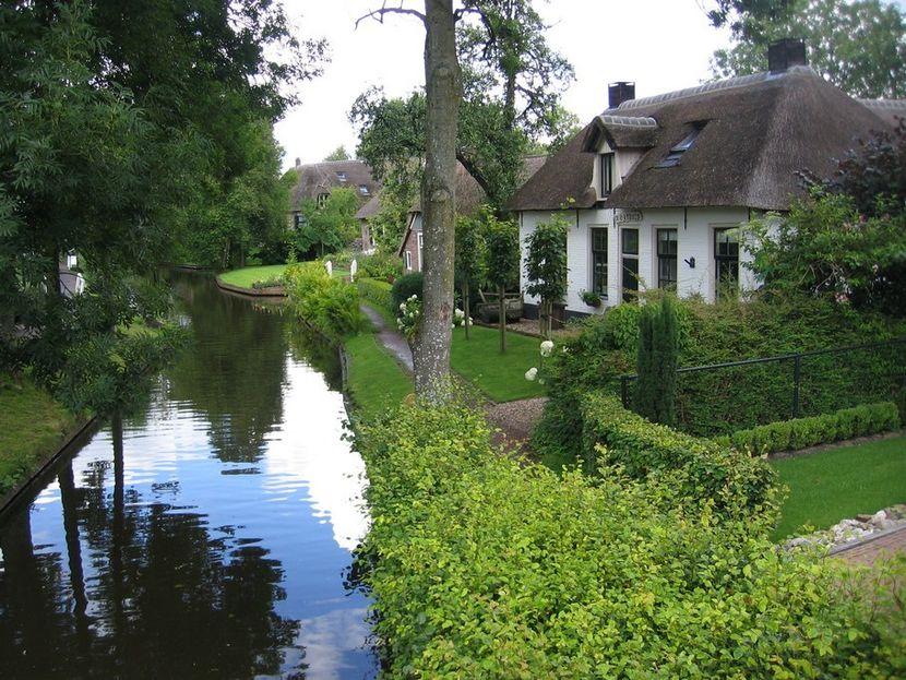 Красивый домик в деревне