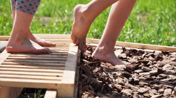 сенсорный сад - хождение босиком