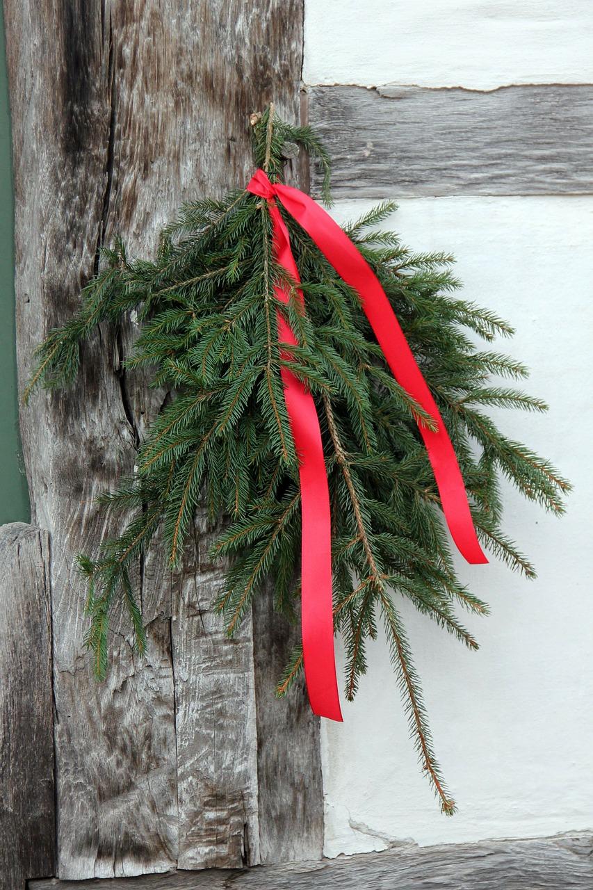 Как украсить свой дом и двор к Рождеству 03