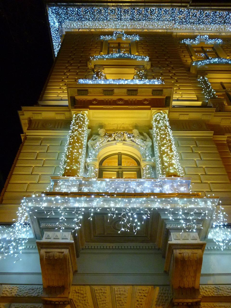Как украсить свой дом и двор к Рождеству 2