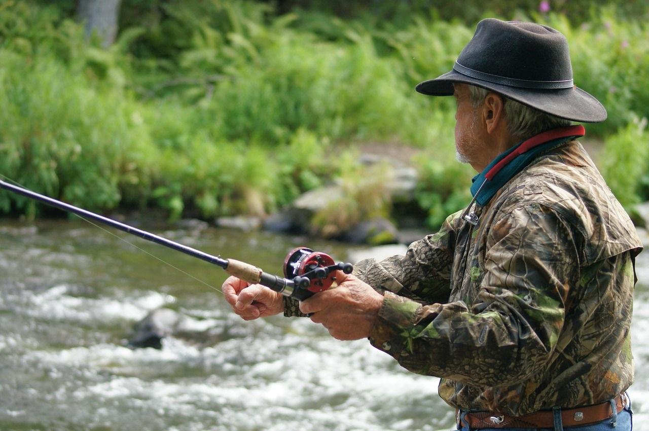 Рыбалка - приметы рыбака о погоде