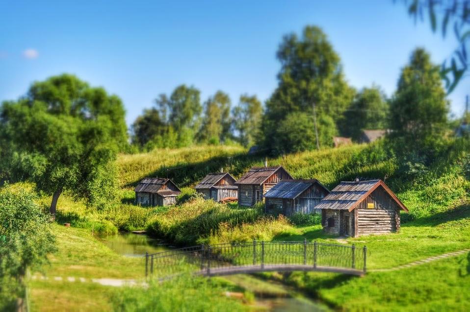 Самая красивая деревня России banki-po_chernomu-na-beregu-ukhtomki