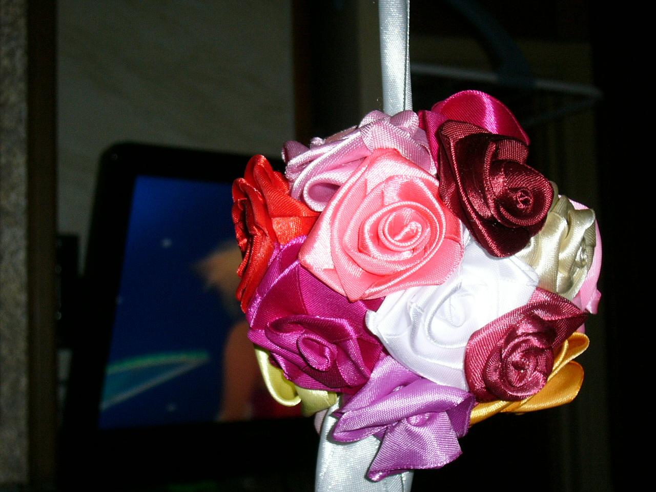 кусудама: розы из атласных лент своими руками
