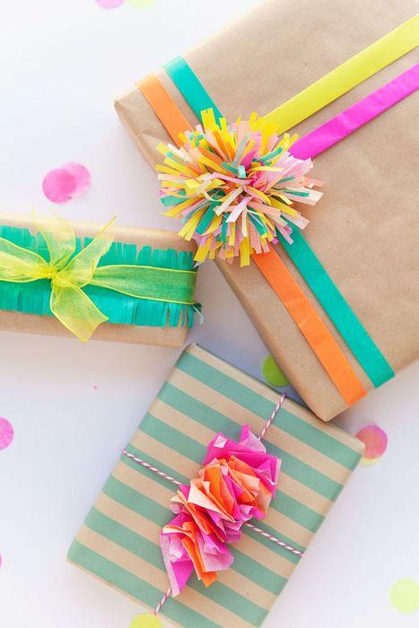 Как упаковать подарок на Новый год своими руками 10