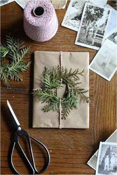 Как упаковать подарок на Новый год своими руками 20