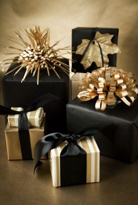 Как упаковать подарок на Новый год своими руками 24