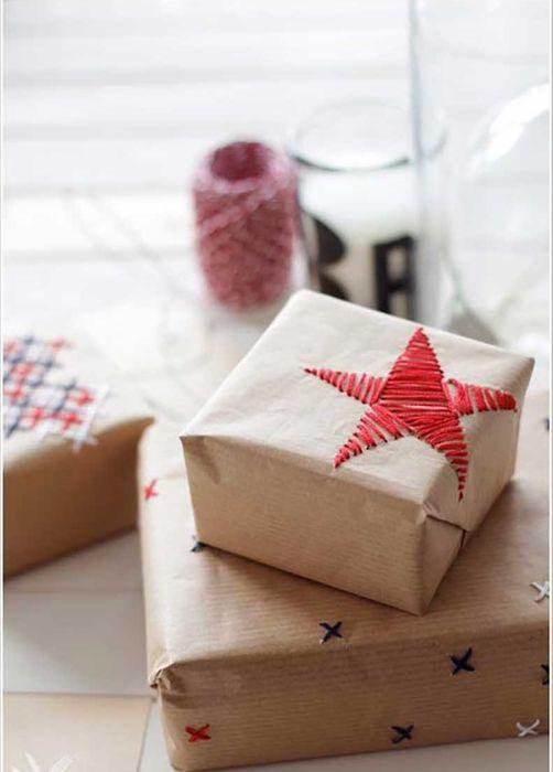 Как упаковать подарок на Новый год своими руками 3