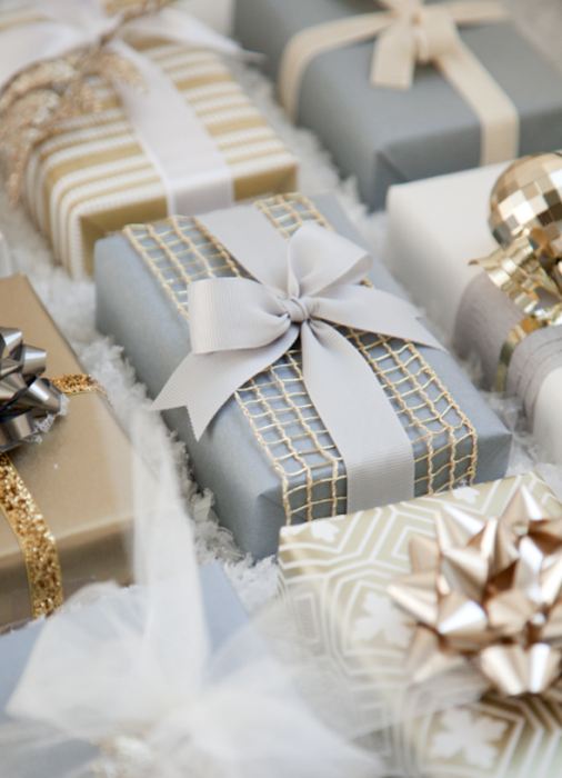Как упаковать подарок на Новый год своими руками 30