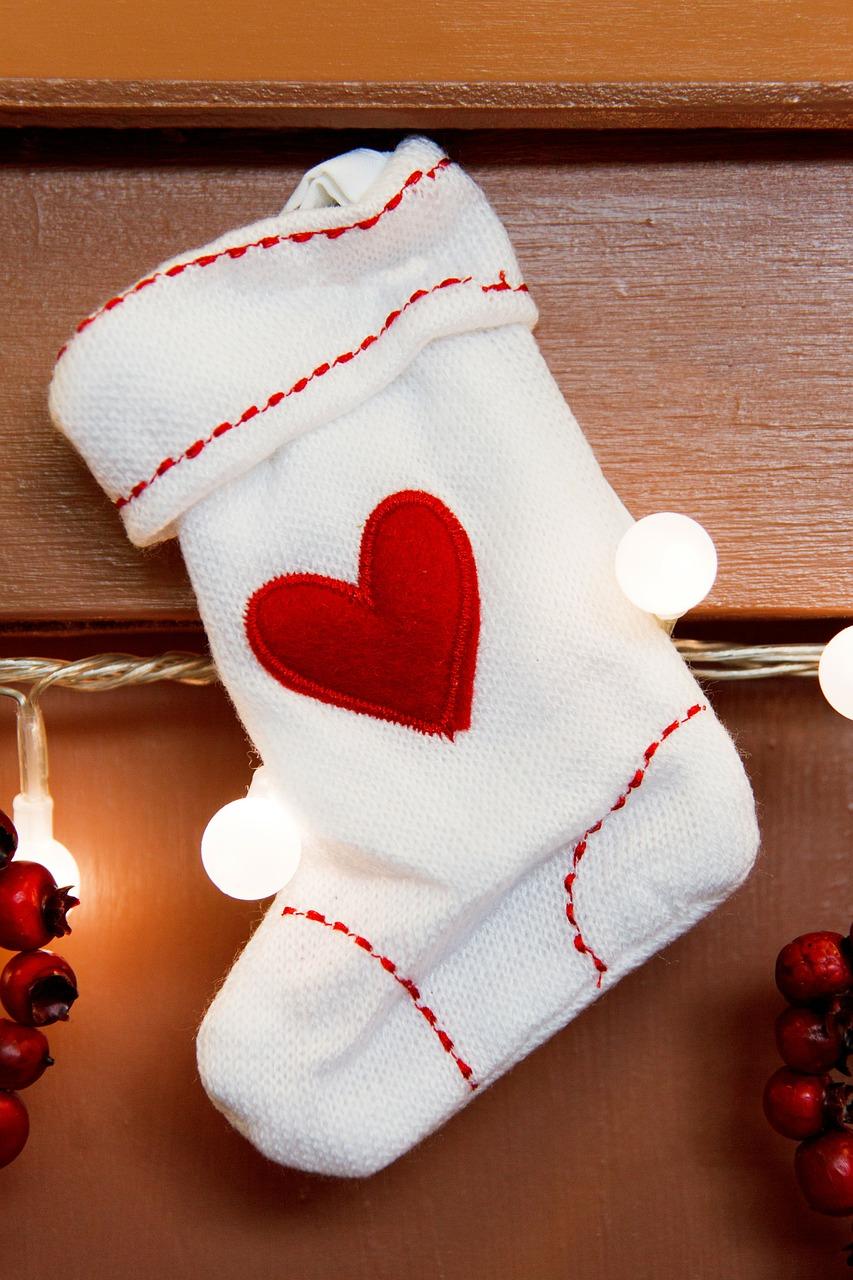 Как упаковать подарок на Новый год и Рождество 12