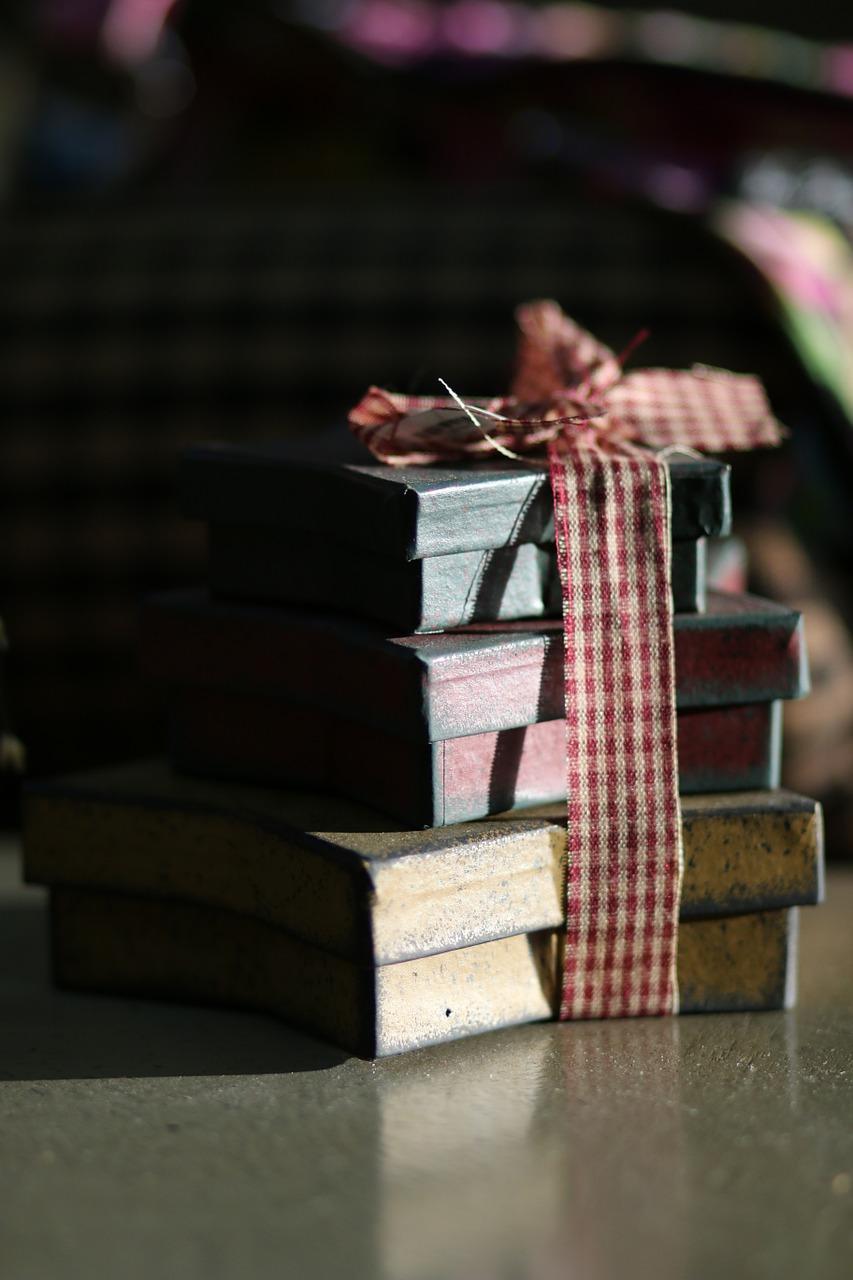 Как упаковать подарок на Новый год и Рождество 7