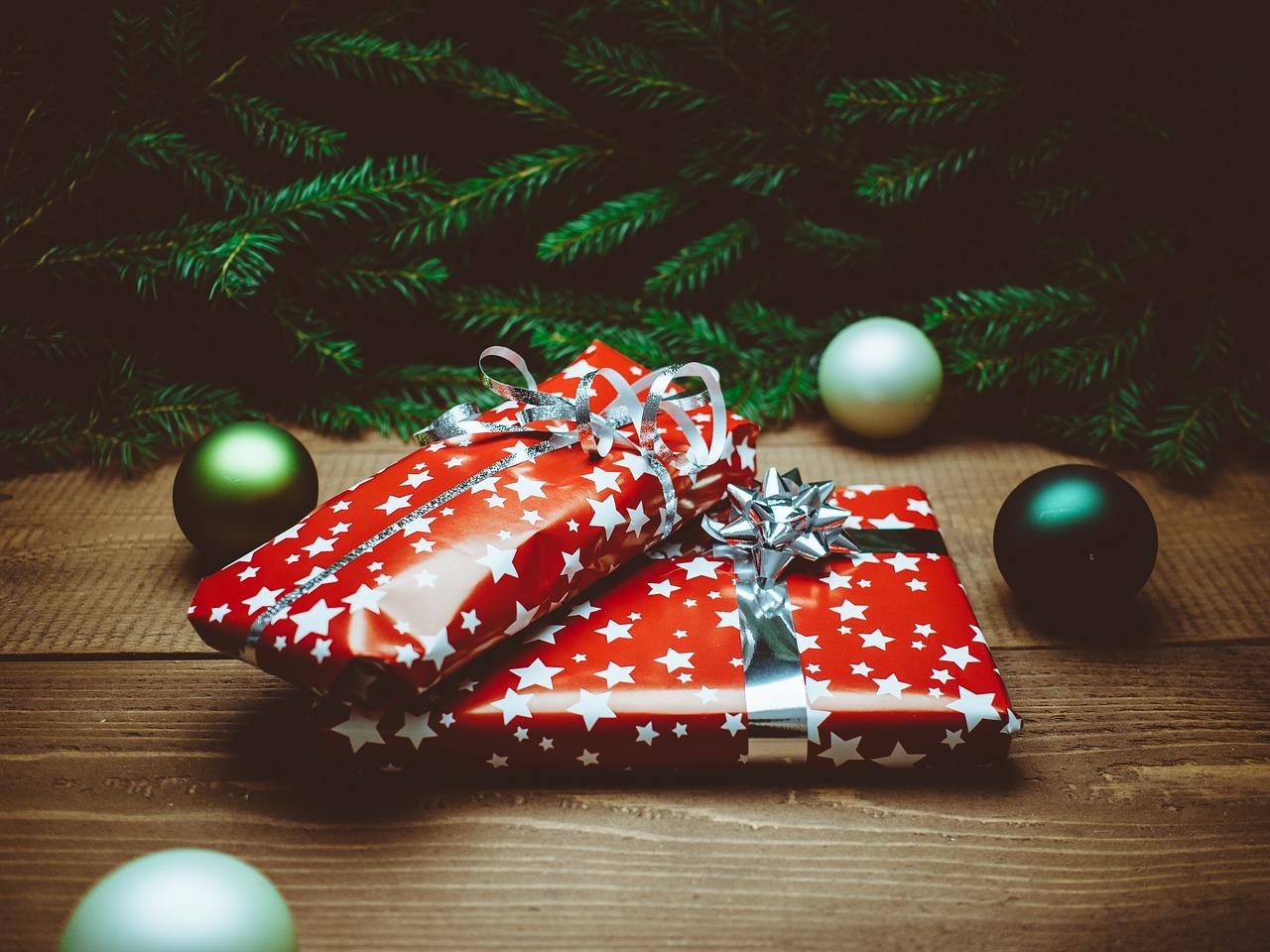 Как упаковать подарок на Новый год и Рождество 8