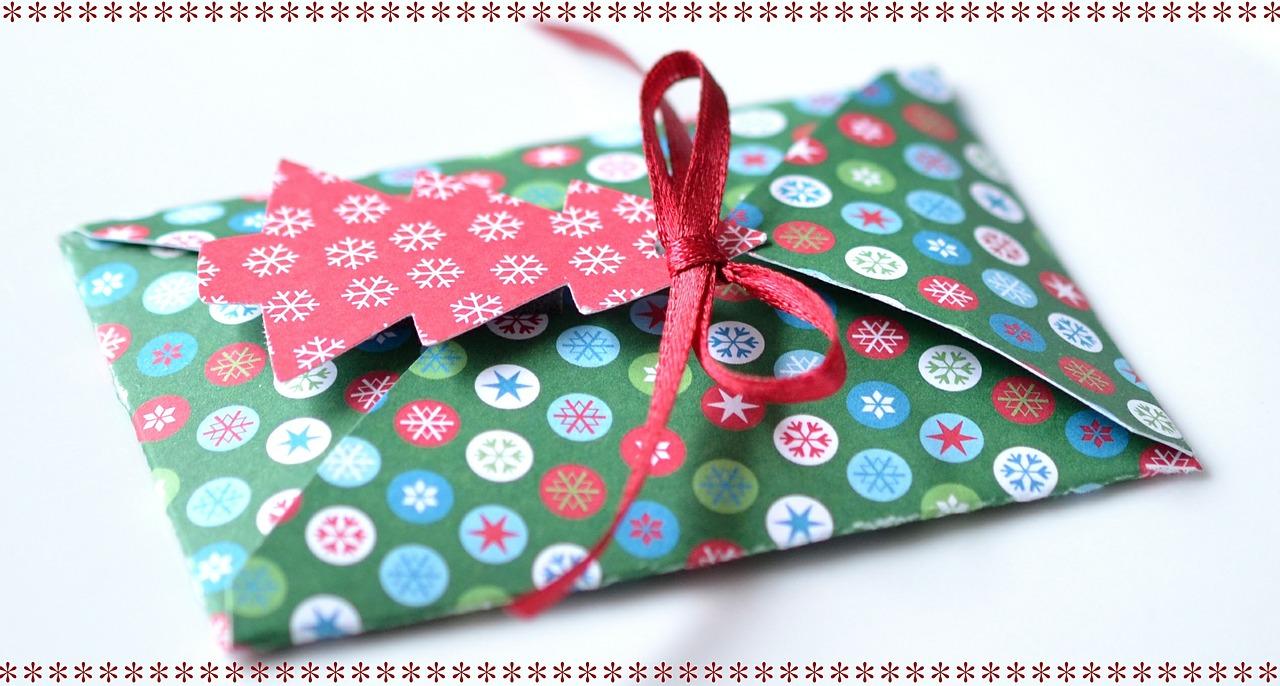 Как упаковать подарок на Новый год и Рождество 9