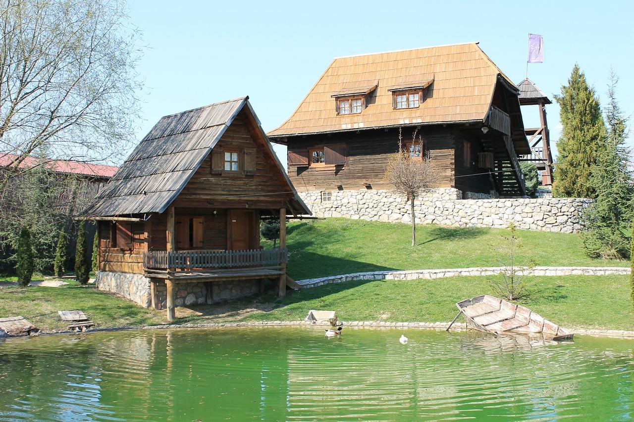 домик в деревне весной фото 23