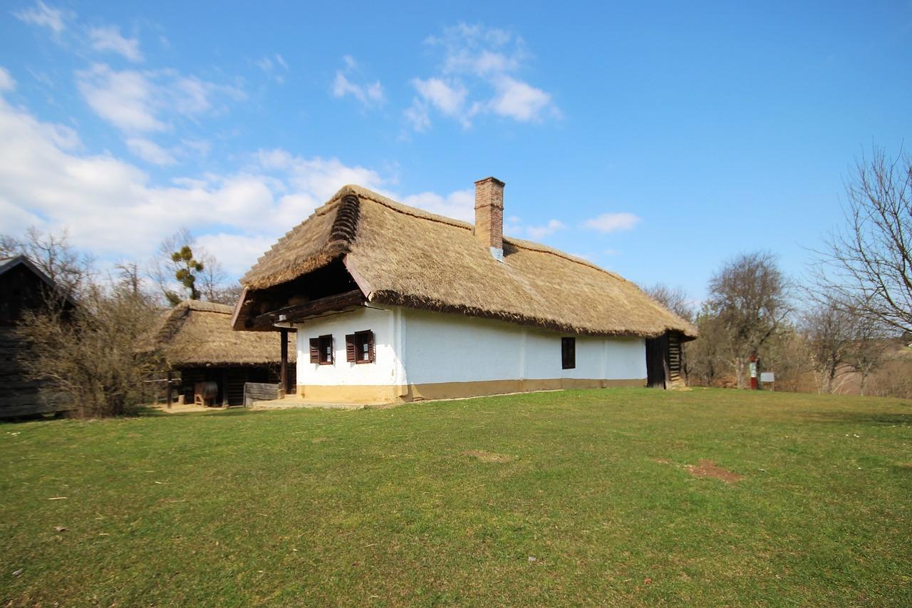 домик в деревне весной фото 5