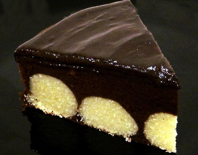 shokoladnyj-tort-s-tvorozhnymi-sharikami