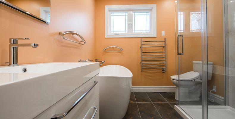 Интерьер ванной комнаты своими руками